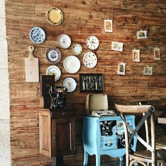 vật dụng trang trí quán cafe