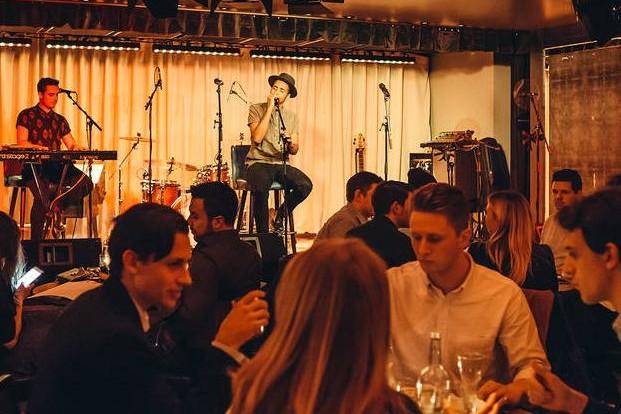 âm nhạc cho nhà hàng
