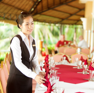 phục vụ nhà hàng tiệc cưới