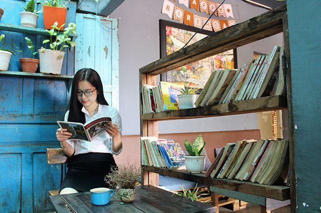 quán cà phê sách