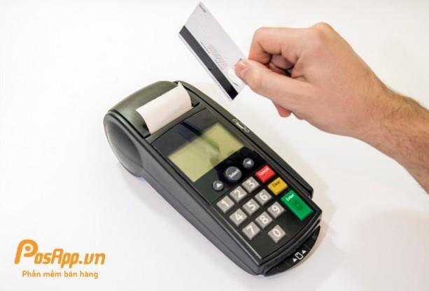phí charge thẻ visa