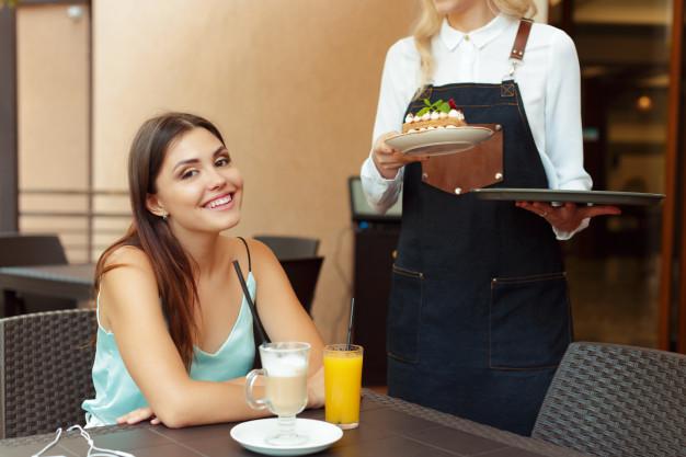 đặt tên quán cafe theo đối tượng khách hàng