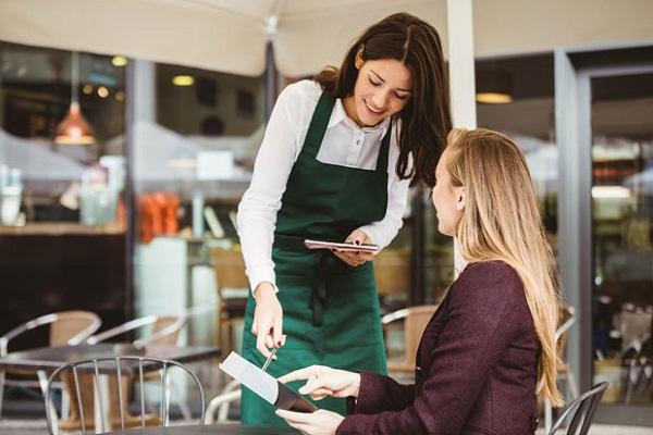 Nhân viên phục vụ quán cafe cần linh hoạt