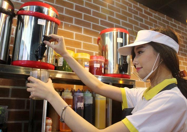 máy móc và nguyên liệu pha chế trà sữa
