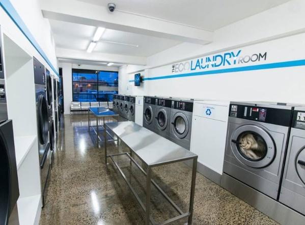 mở tiệm giặt sấy