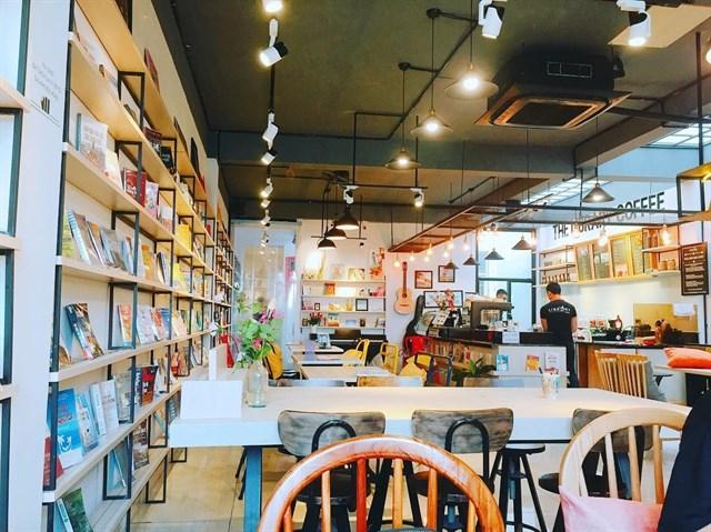 cafe sách có thiết kế đẹp