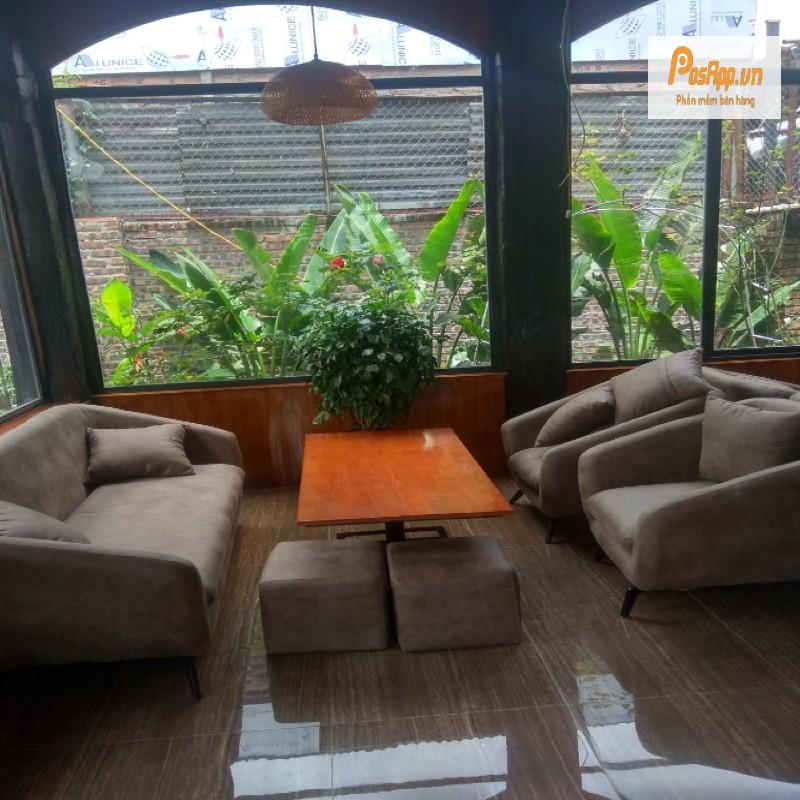 không gian vườn hồng cafe