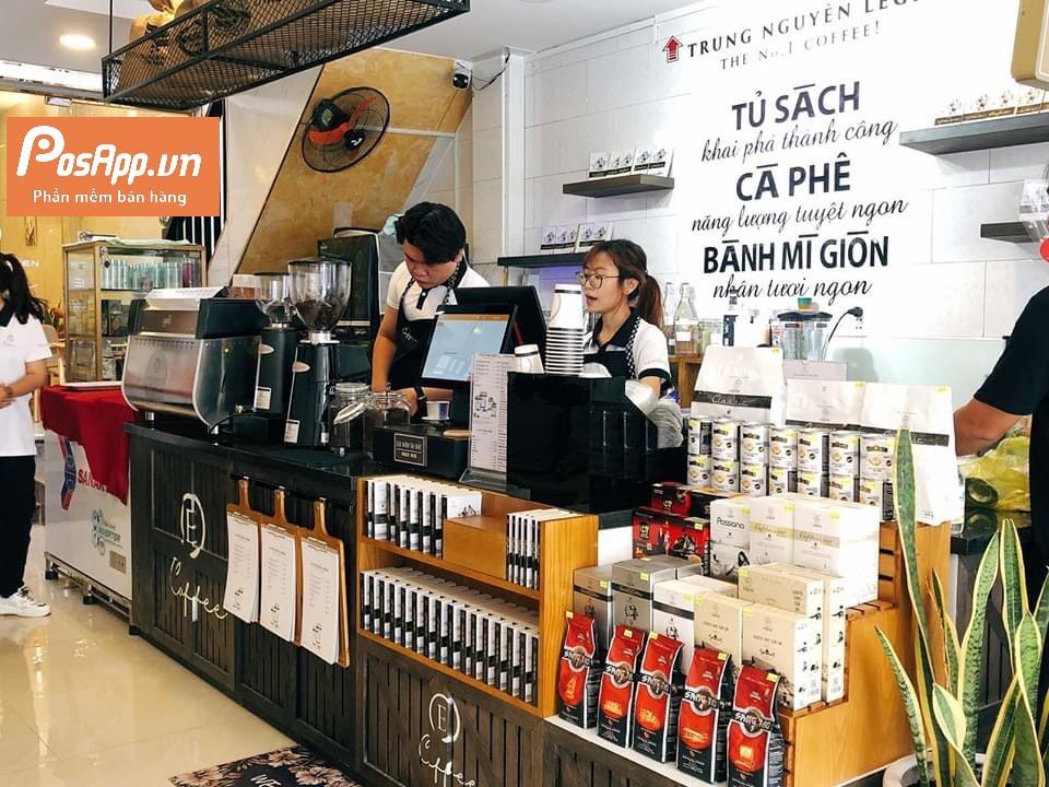 nhân viên TN E-Coffee