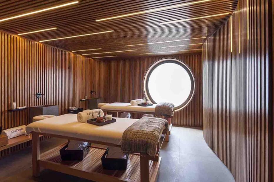 thiết kế gỗ với spa