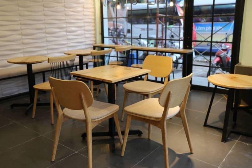 bàn ghế cafe cũ trên facebook