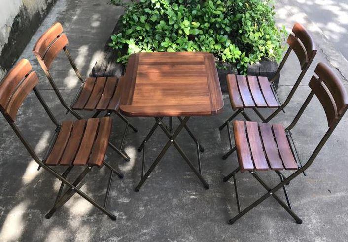 Bàn ghế cà phê xếp
