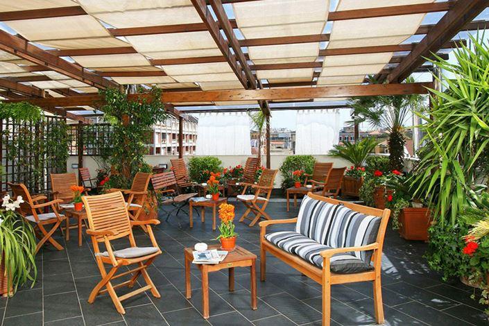 Bàn ghế cafe sân vườn