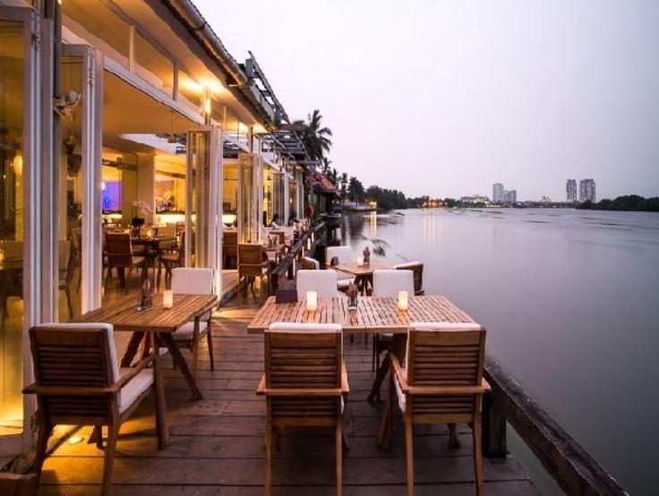 nhà hàng ven sông