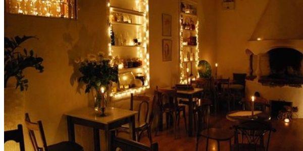 cafe sàn gỗ đậm