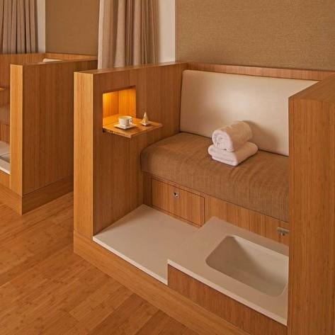 ghế làm nail bằng gỗ cơ bản