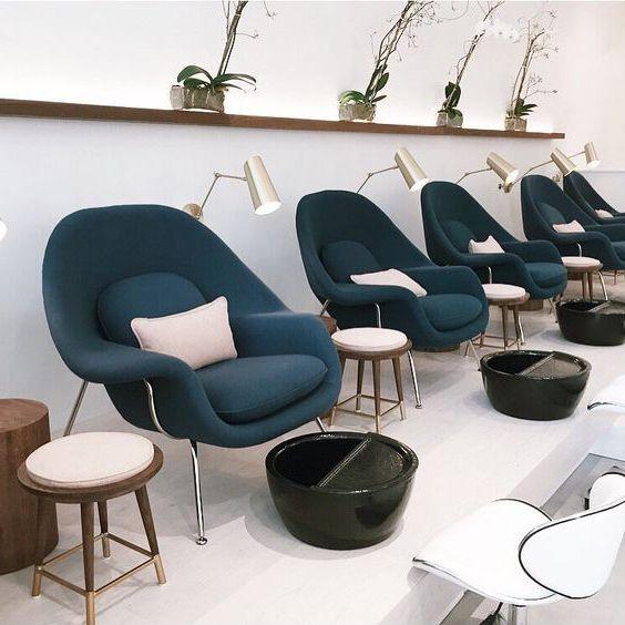 ghế làm nail sofa phong cách cổ điển