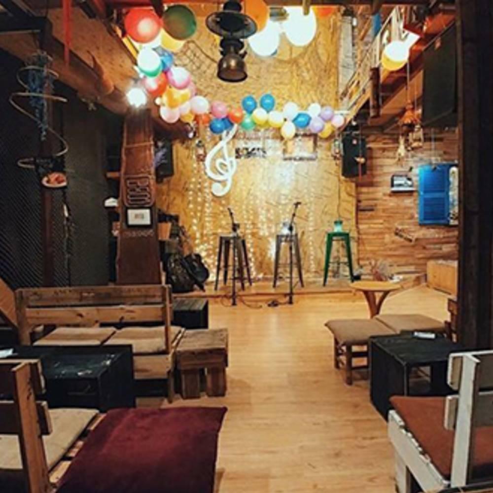 thiết kế quán cafe acoustic ấm cúng