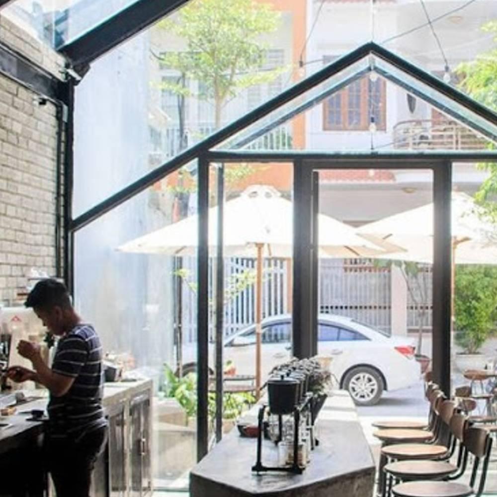 thiết kế quán cafe bằng kính