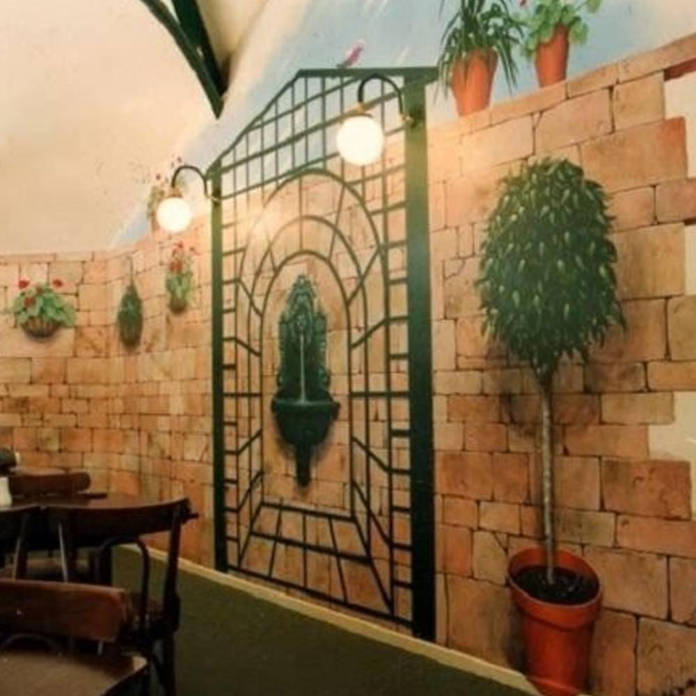 cửa sổ trang trí quán cafe