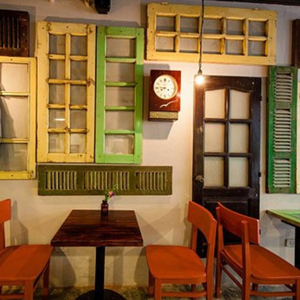 cửa sổ trang trí quán cafe đẹp