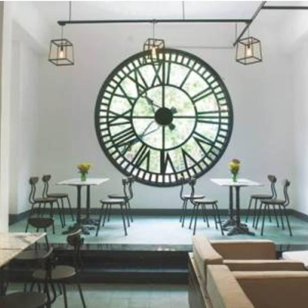đồng hồ trang trí quán cafe phong cách