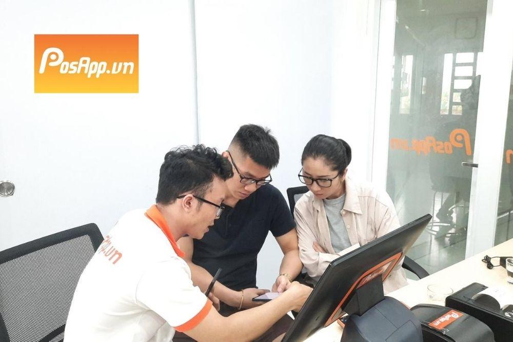nhân viên posapp tư vấn khách hàng