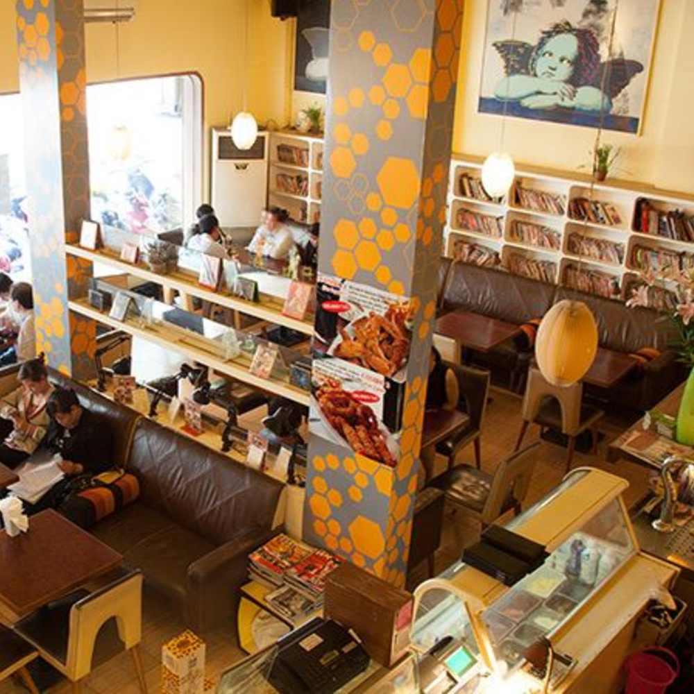 thiết kế quán cafe sách đặc trưng