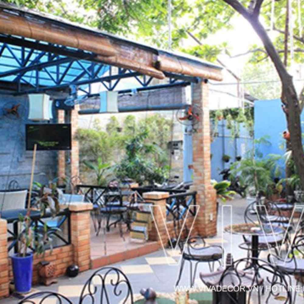 thiết kế quán cafe sân vườn rộng rãi