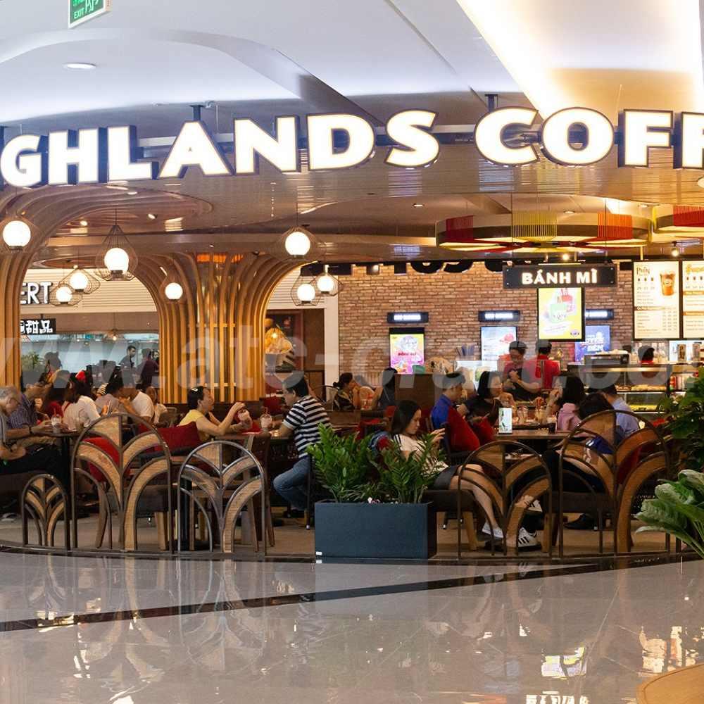 thiết kế quán cafe tại trung tâm thương mại sang trọng