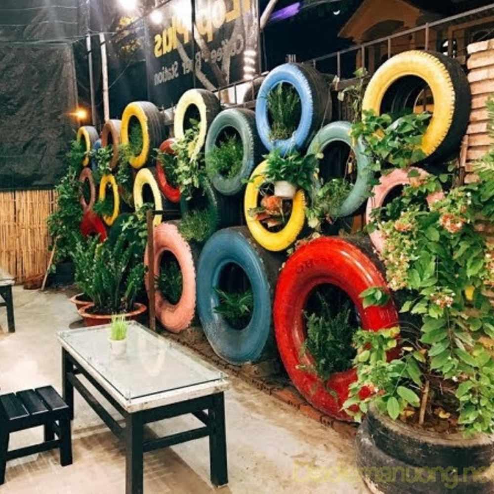 bánh xe để trang trí quán cafe tiện dụng