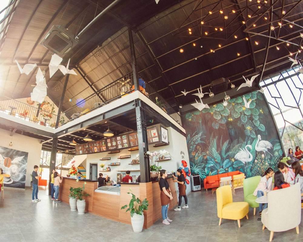 Quầy thu ngân quán Yolo Coffee!