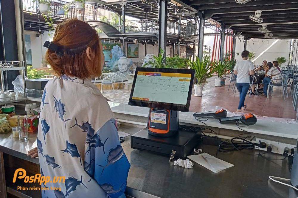 máy tính tiền tại seo coffee