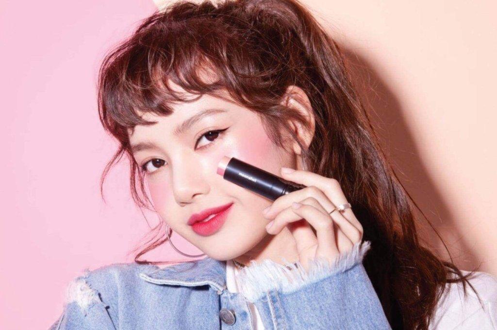 Idol quảng cáo mỹ phẩm