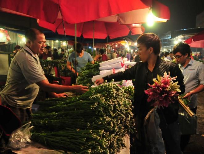 chợ hoa mai dịch